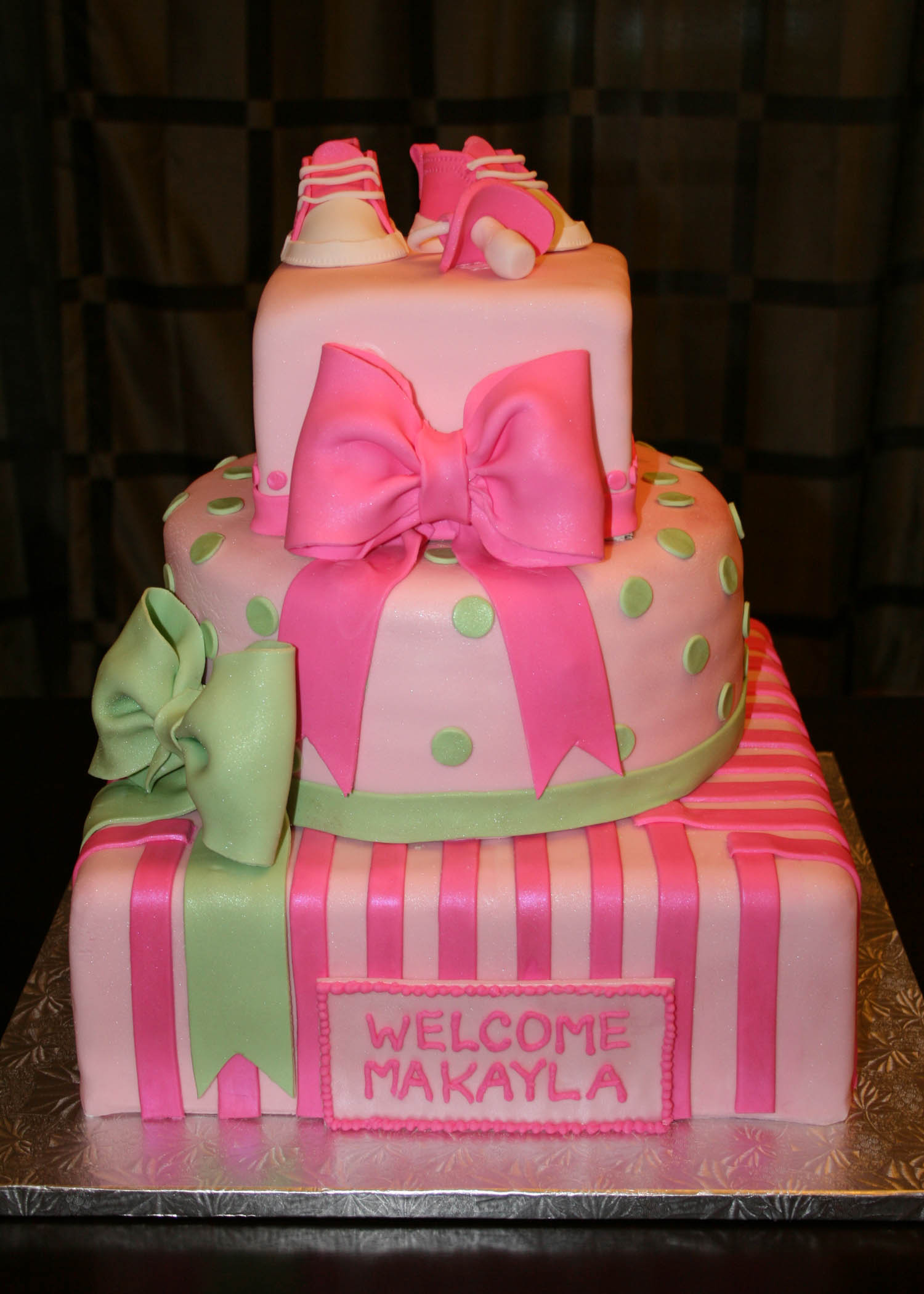 baby shower cakes for girls how to throw girl baby shower cakes baby