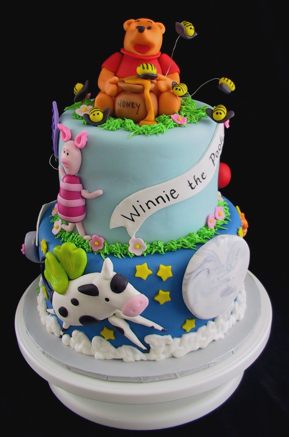 how to use winnie the pooh theme on your baby shower baby shower for