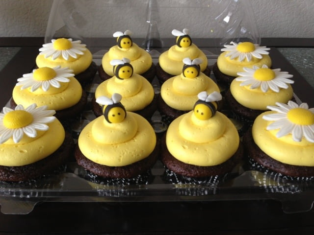 Bumble Bee Baby Shower Cupcake Decoration Ideas